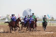 Participation of modern horses in sports competitions